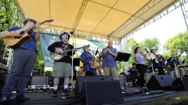 ChickenFat performing at the 2014 Greater Chicago Jewish Festival. Photo by Rob Dicker.